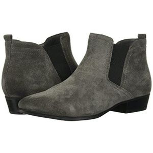 Naturalizer Dark Gray Suede Ankle Booties Sz 9.5